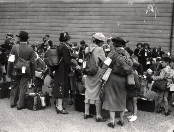 Garland N18721 - Evacuees arriving September 1939